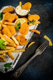 Pesce e patatine fritte con salsa tartara