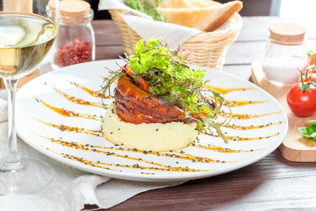 Pesce fritto con purè di patate