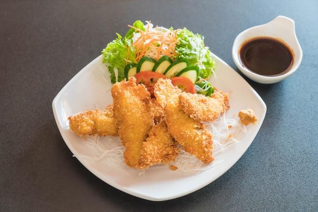 Pesce fritto con salsa tonkatsu