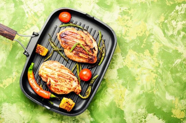 Petti di pollo sani alla griglia