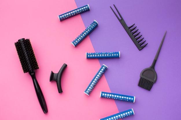 Pettine e spazzole per capelli distesi