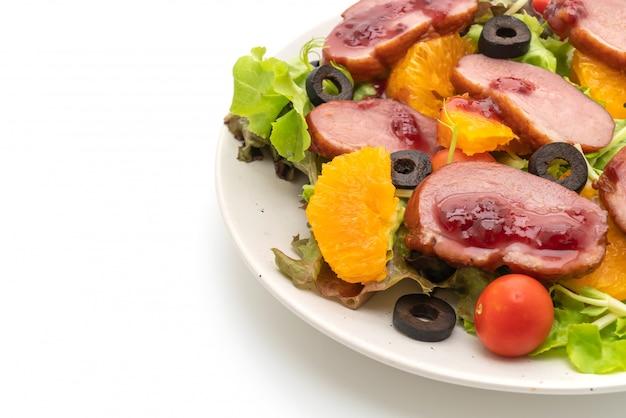 Petto di anatra alla griglia con insalata di verdure