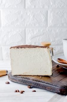 Pezzo di formaggio morbido