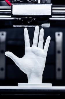 Pezzo di stampa 3d bianco