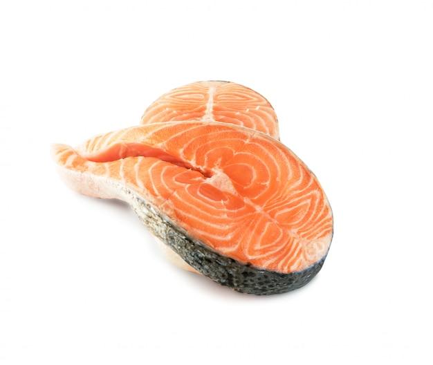 Pezzo spesso di pesce rosso fresco