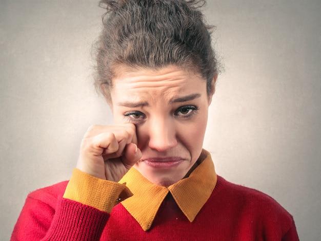 Piangendo ragazza triste