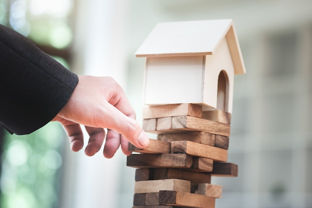 Pianificazione immobiliare e prevenzione del rischio di investimenti finanziari