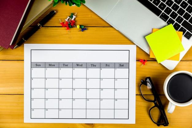 Piano del calendario fare affari o attività mensilmente.