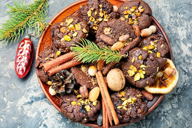 Piastra con gustosi biscotti di natale