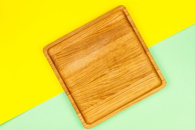 Piastra quadrata in legno su spacco colorato