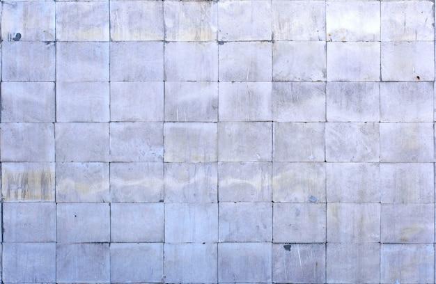 Piastrella di calcare grigio lucido come materiale di finitura
