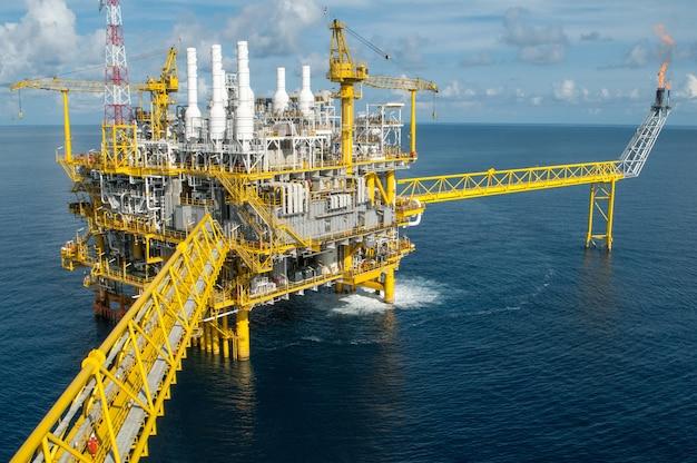 Piattaforma petrolifera e del gas o piattaforma di costruzione
