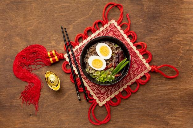 Piatto cinese di nuovo anno di vista superiore