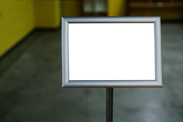Piatto mock up. posto per testo, poster, pubblicità, annunci o informazioni pubbliche.