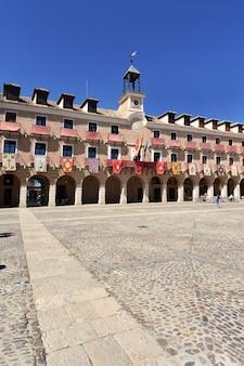 Piazza principale di ocaña, provincia di toledo, castilla la mancha, spagna.