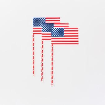Piccole bandiere americane