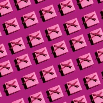 Piccole scatole regalo rosa