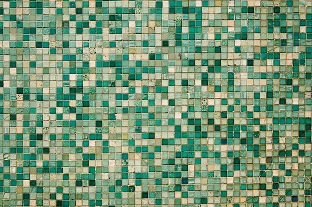 Piccole tessere di mosaico verdi