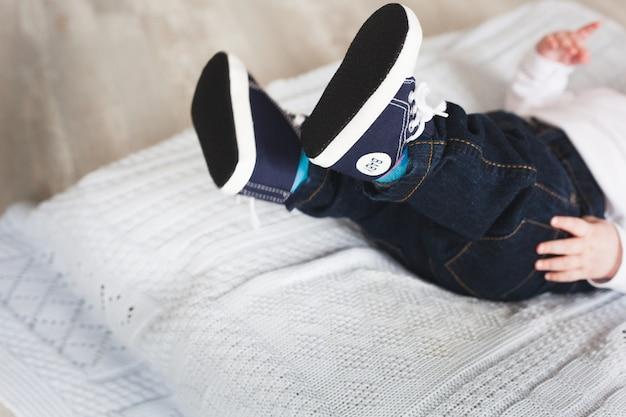 Piccoli piedi, neonato