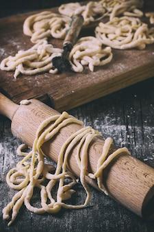 Pici di pasta fresca fatta in casa