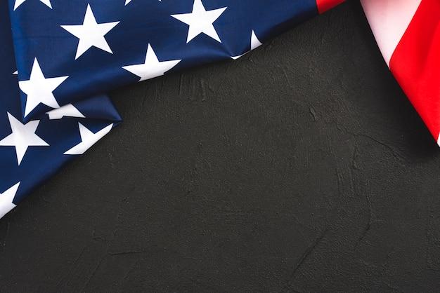 Piegato bandiera degli stati uniti