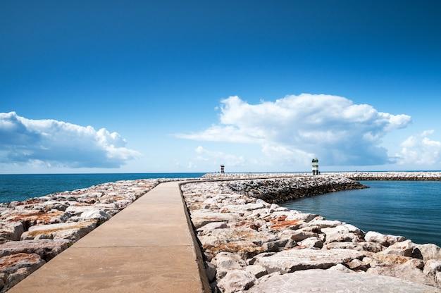 Pier e il mare