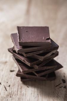 Pila di barrette di cioccolato