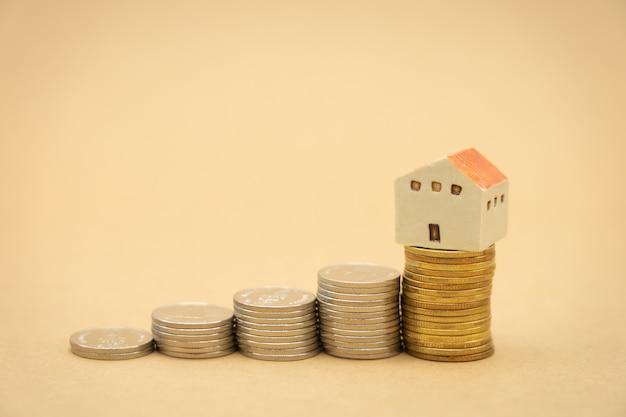 Pila di monete t analisi degli investimenti