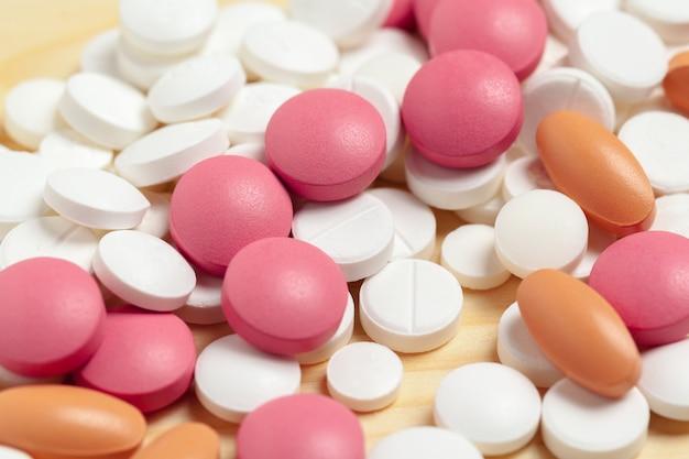 Pillole assortite di medicina farmaceutica, compresse