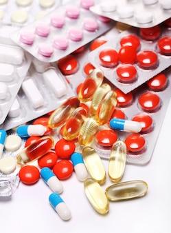 Pillole su bianco