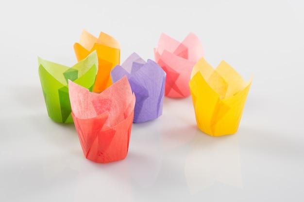 Pirottini di carta dai colori vivaci per cupcake o muffin