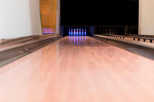 Pista da bowling con vista bassa
