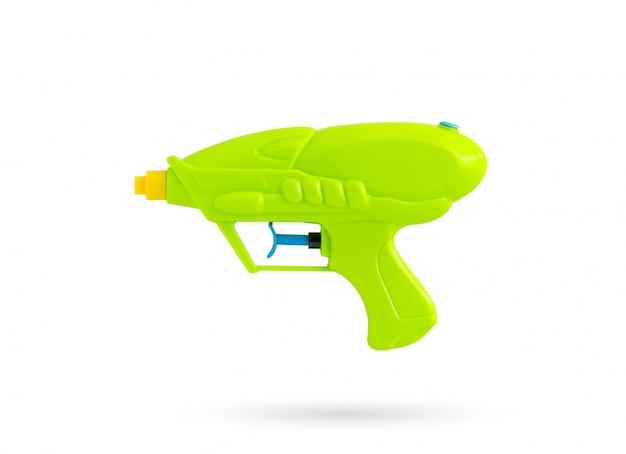 Pistola ad acqua su sfondo bianco isolato