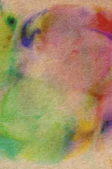 Pittura ad acquerello su carta riciclata.