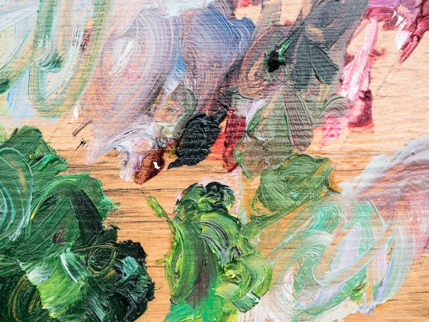 Pittura minimalista artistica con tratti di diversi colori
