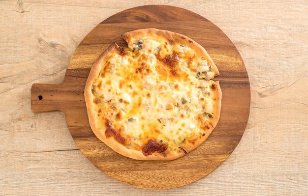 Pizza cremosa ai funghi