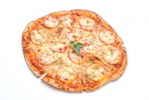 Pizza dei pomodori isolata su fondo bianco