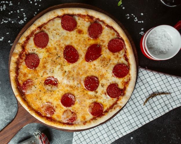 Pizza salame al sale