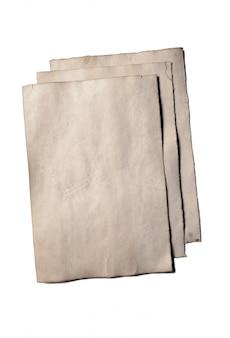 Pochi vecchi pezzi vuoti di antichi manoscritti o pergamene di carta sbriciolata vintage