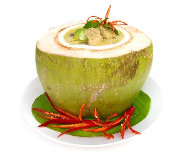 Pollo al curry verde con latte di cocco