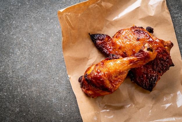 Pollo alla griglia e barbecue