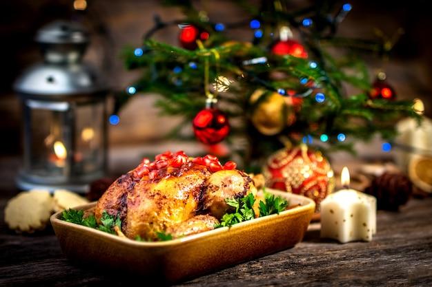 Pollo arrosto per il pranzo di natale
