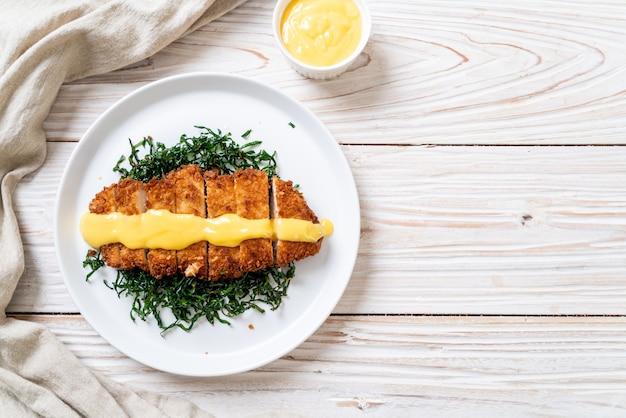 Pollo fritto con salsa al limone e lime