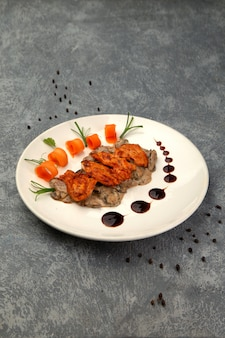 Pollo fritto e funghi in crema