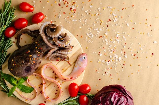 Polpo crudo con verdure fresche
