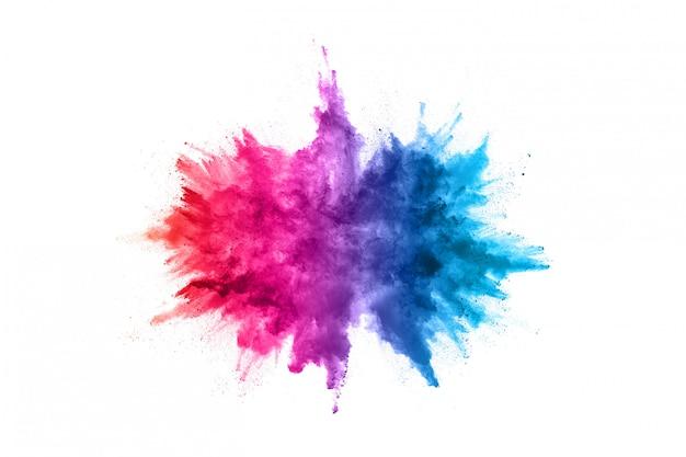 Polvere astratta splattata. esplosione di polvere colorata su bianco.