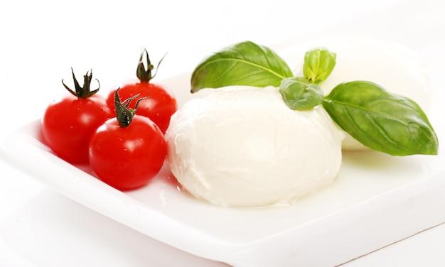 Pomodori, basilico e mozzarella