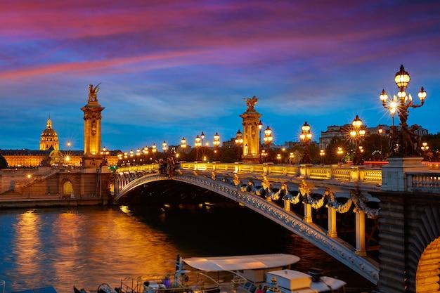 Pont alexandre iii a parigi francia sopra la senna