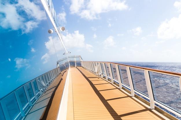 Ponte aperto della nave da crociera