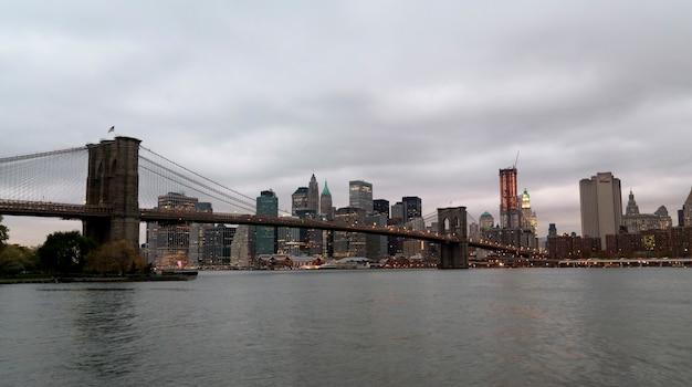 Ponte di brooklyn a new york city, stati uniti d'america